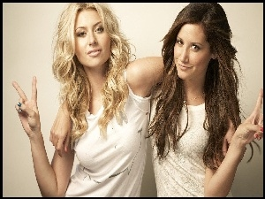 Dłonie, Ashley Tisdale, Alyson Michalka