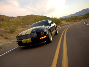 Ford Mustang Shelby GT, Droga