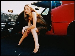 auto, Julia Stiles, nogi