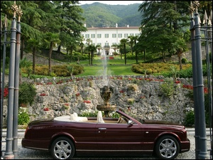 Fontanna, Bordowy, Bentley Azure