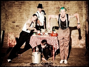 Anthony Kiedis, Josh Klinghoffer, Flea, Chad Smith