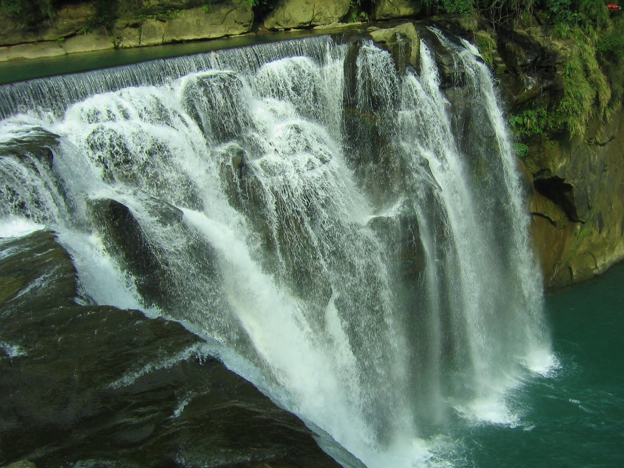Wodne, Wodospad, Kaskady