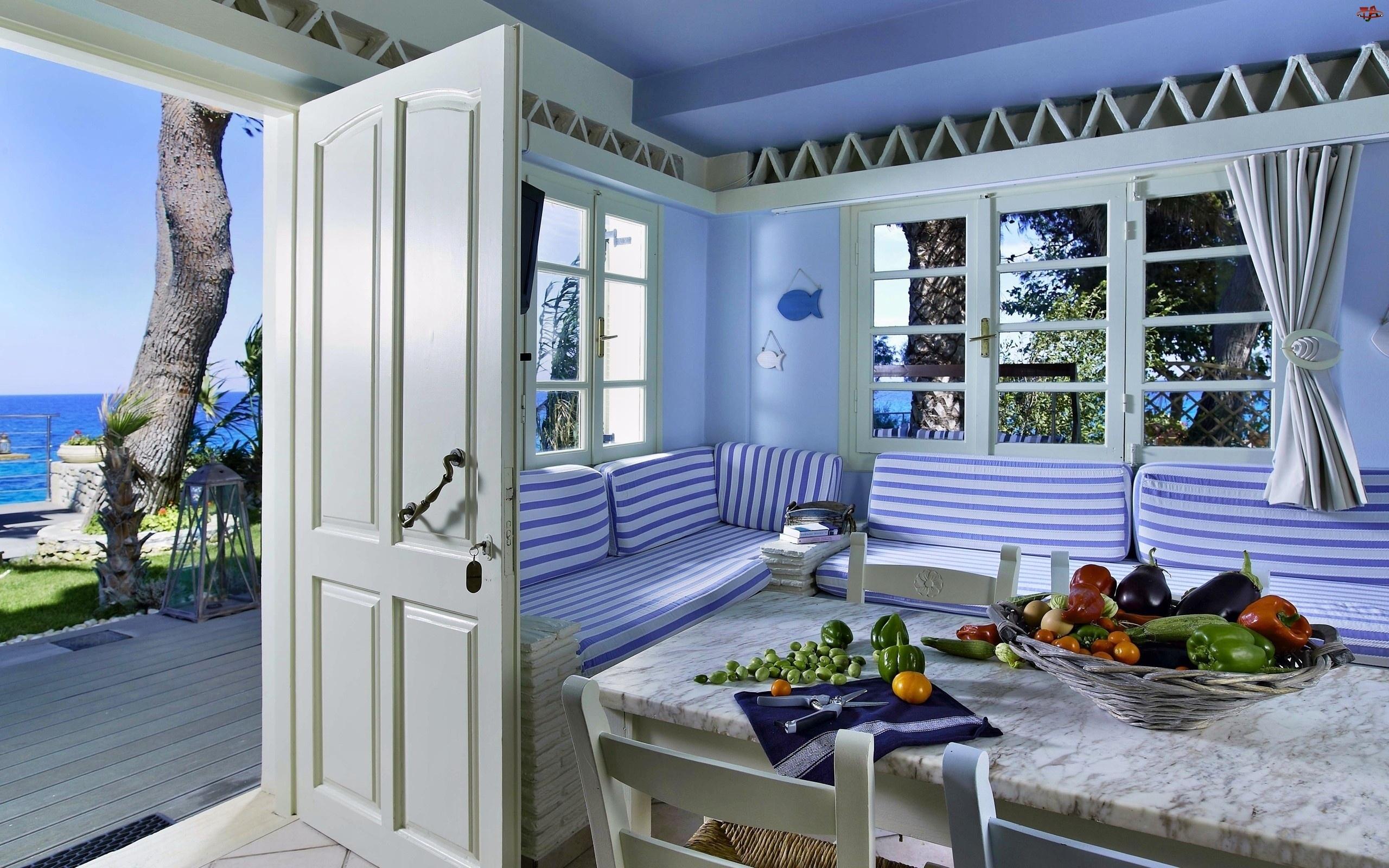 Кухня в греческом стиле.