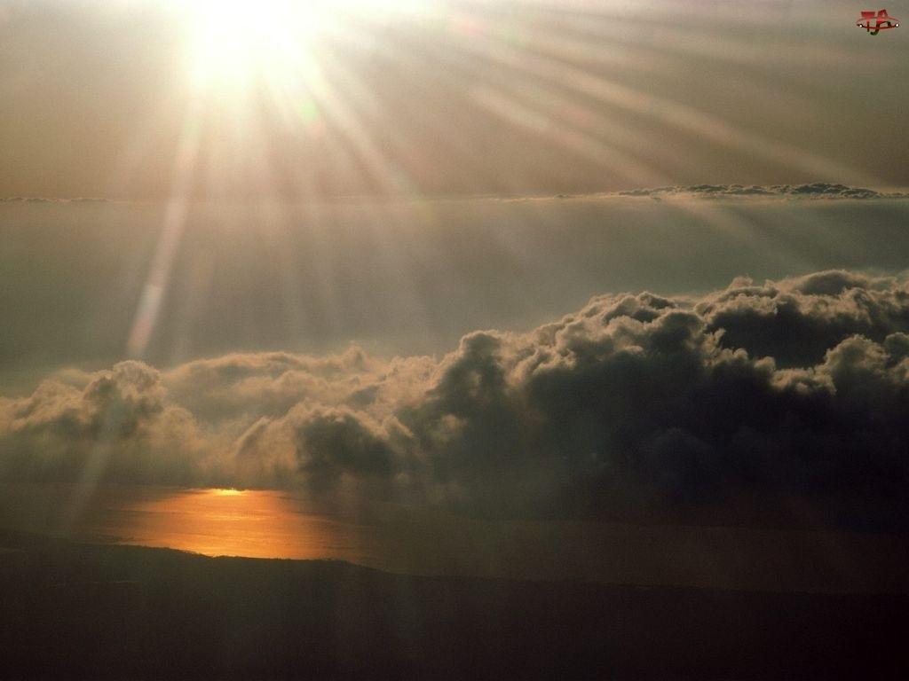 Zachód Słońca, Chmury