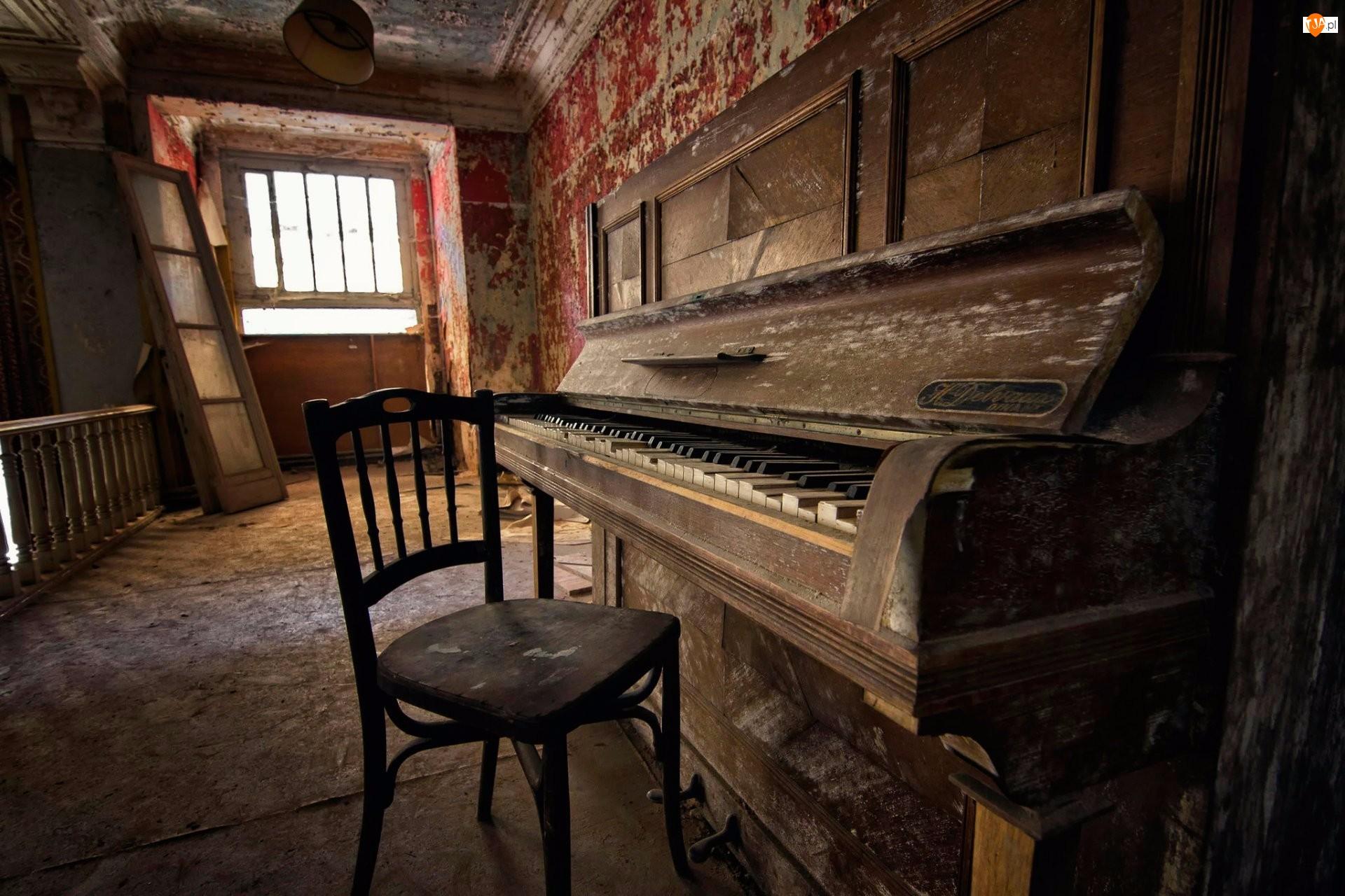 Okno, Pianino, Krzesło