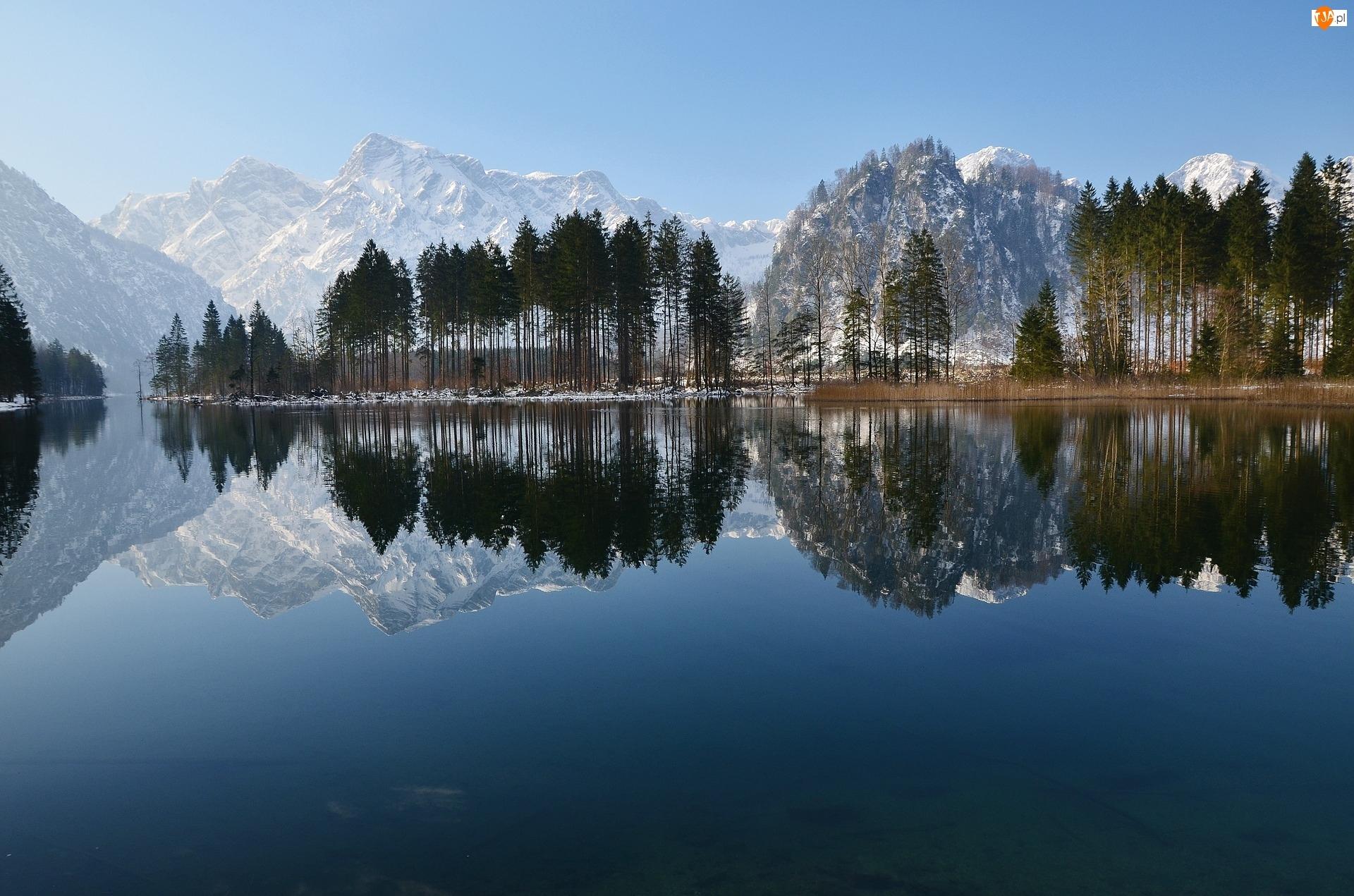 Drzewa, Góry, Odbicie, Jezioro, Niebo