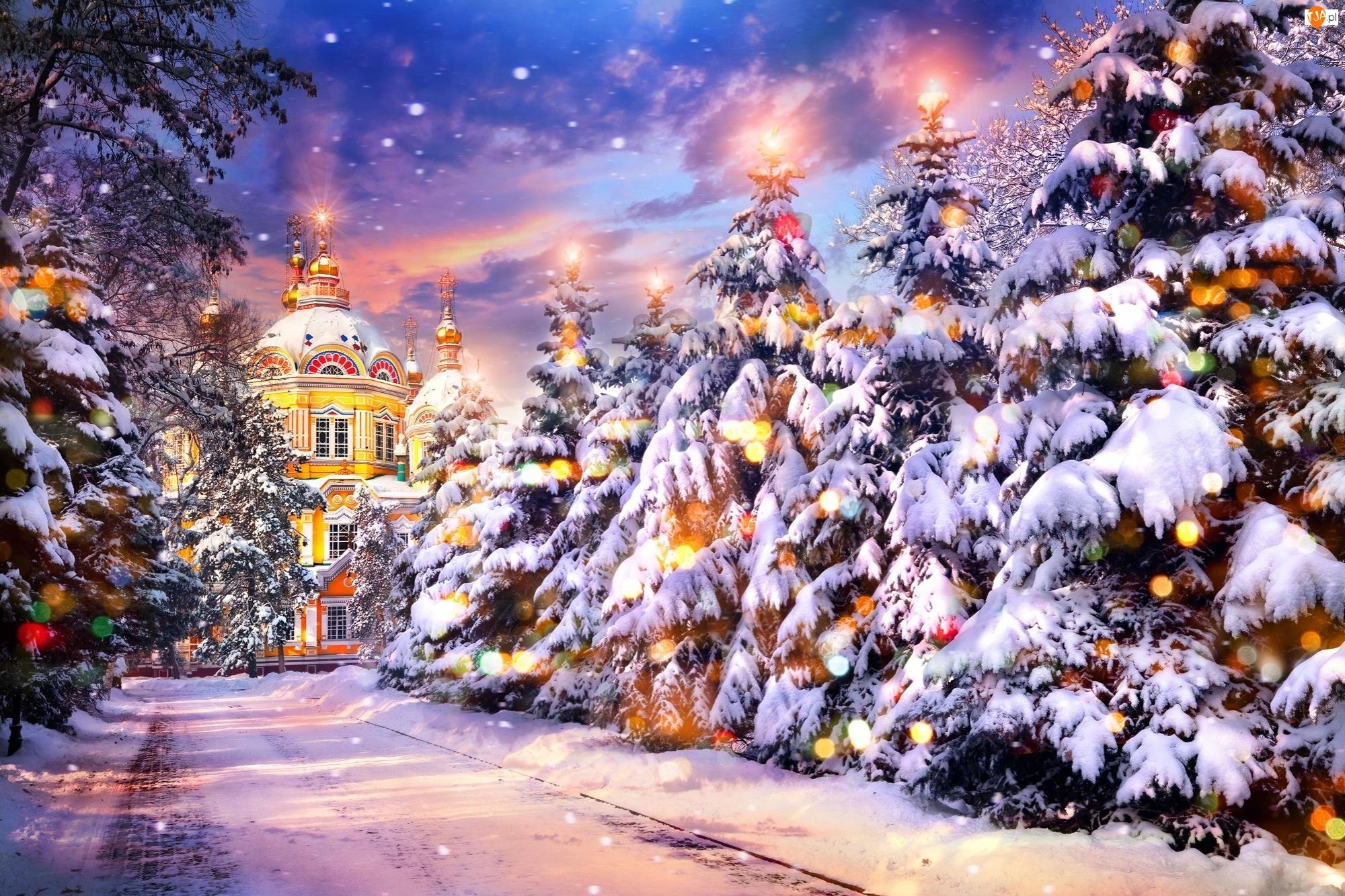 Świąteczne, Cerkiew, Zima, Rosja, Świerki, Lampki