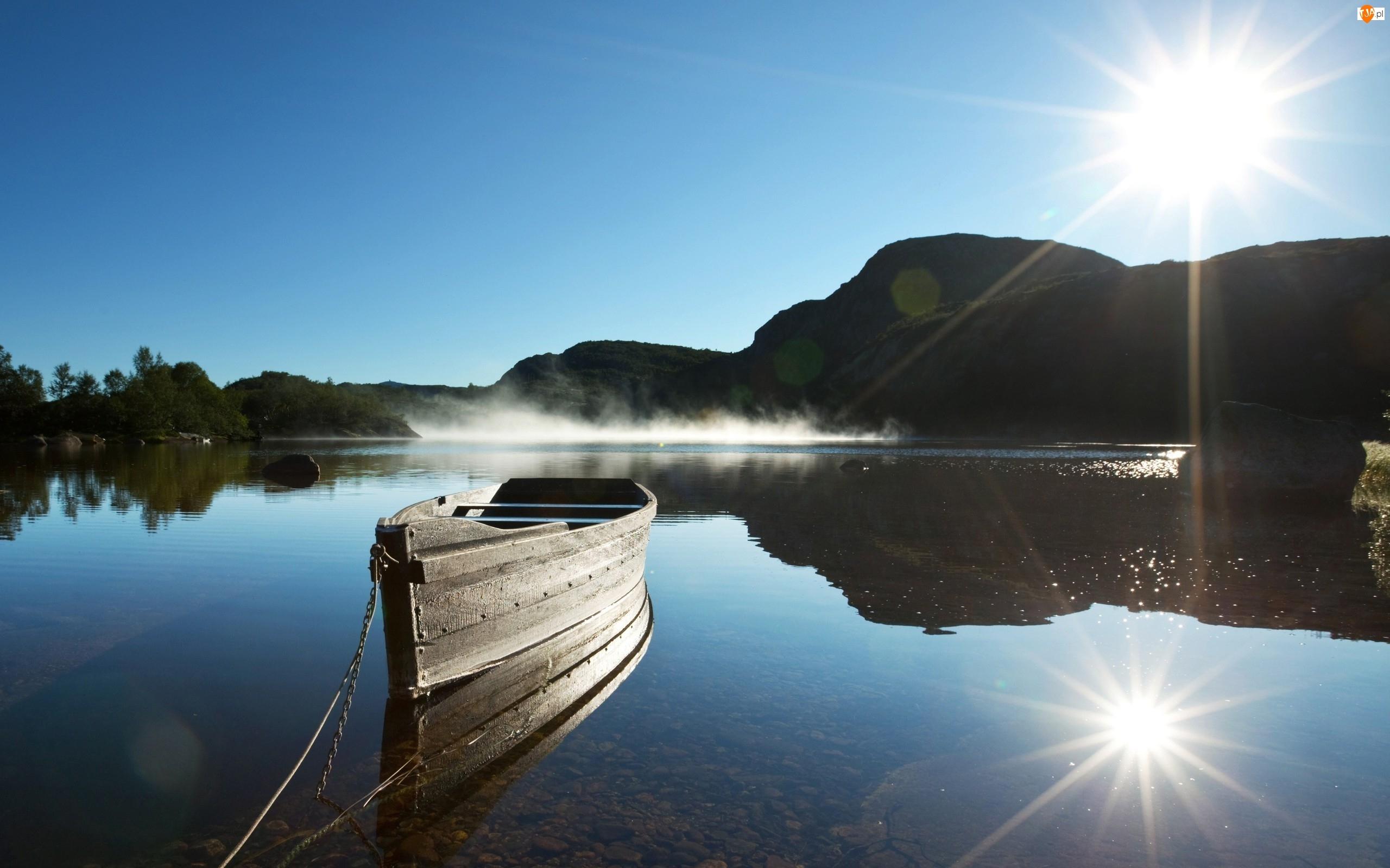 Jezioro, Wzgórza, Łódka, Promienie słońca