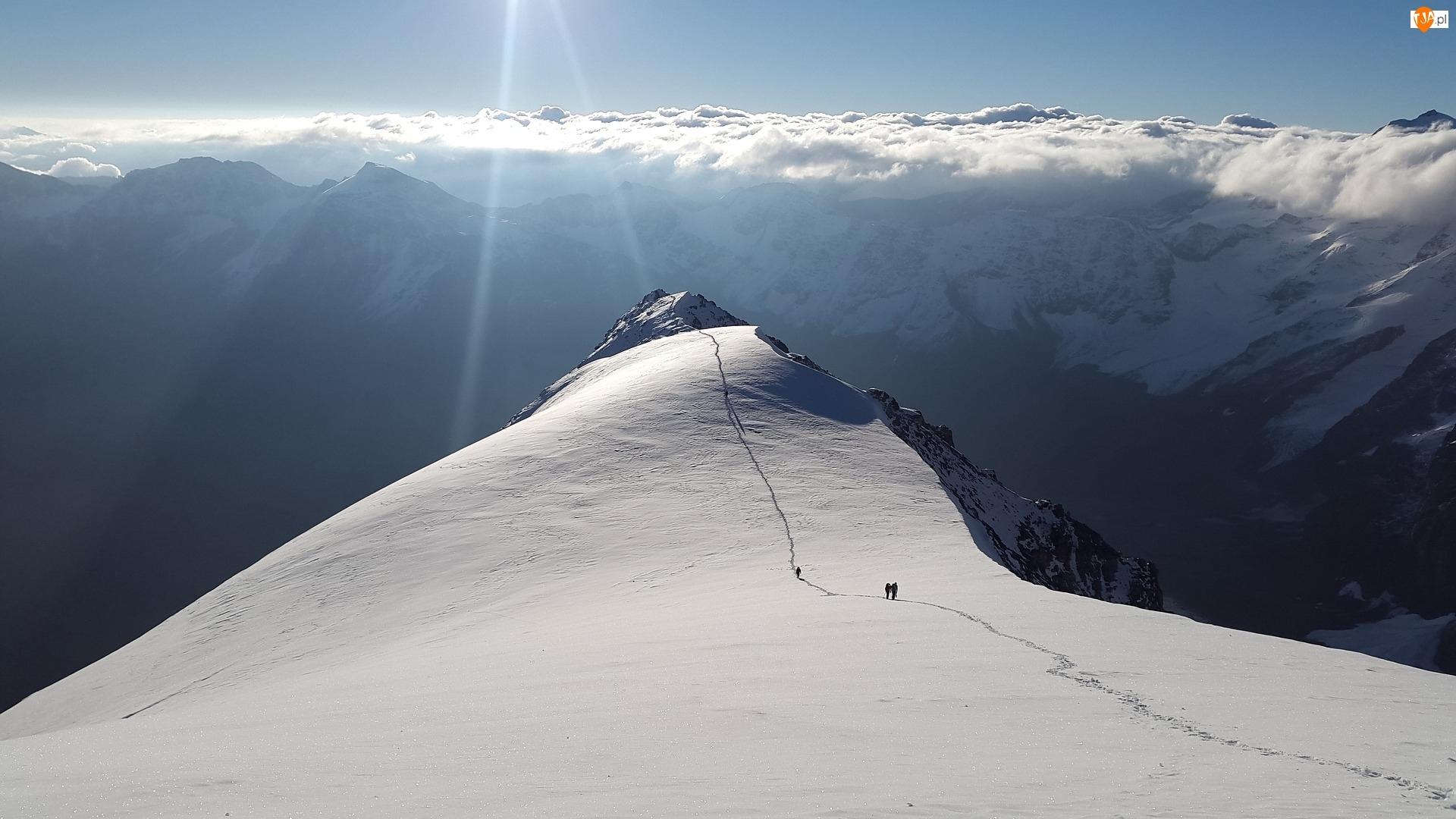 Chmury, Alpinizm, Góry, Ślady, Zima
