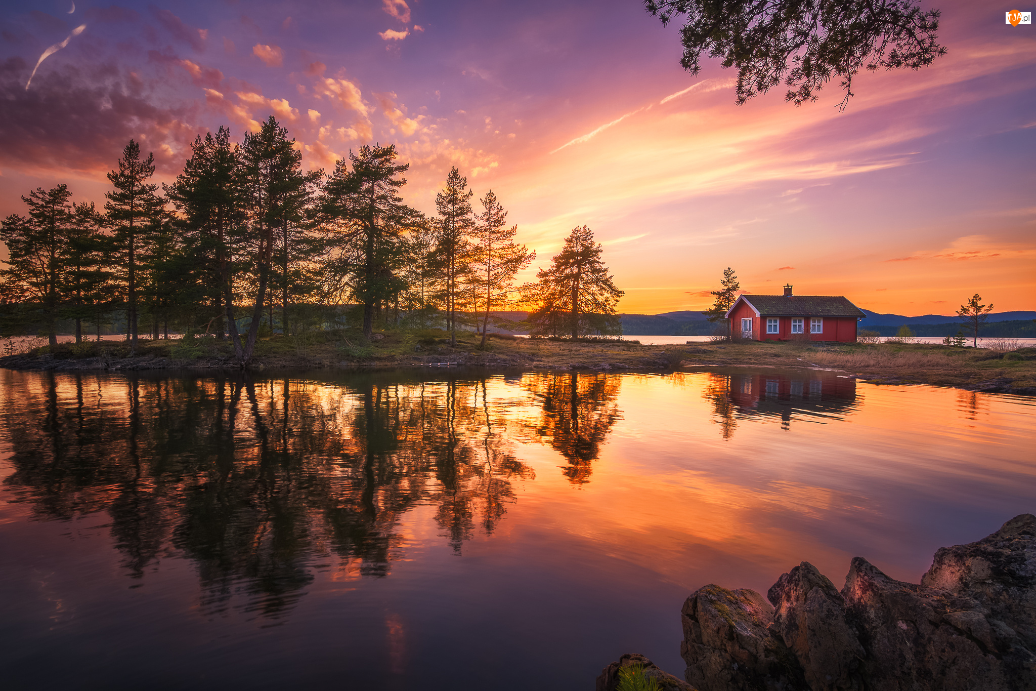Zachód słońca, Norwegia, Jezioro Vaeleren, Ringerike, Drzewa