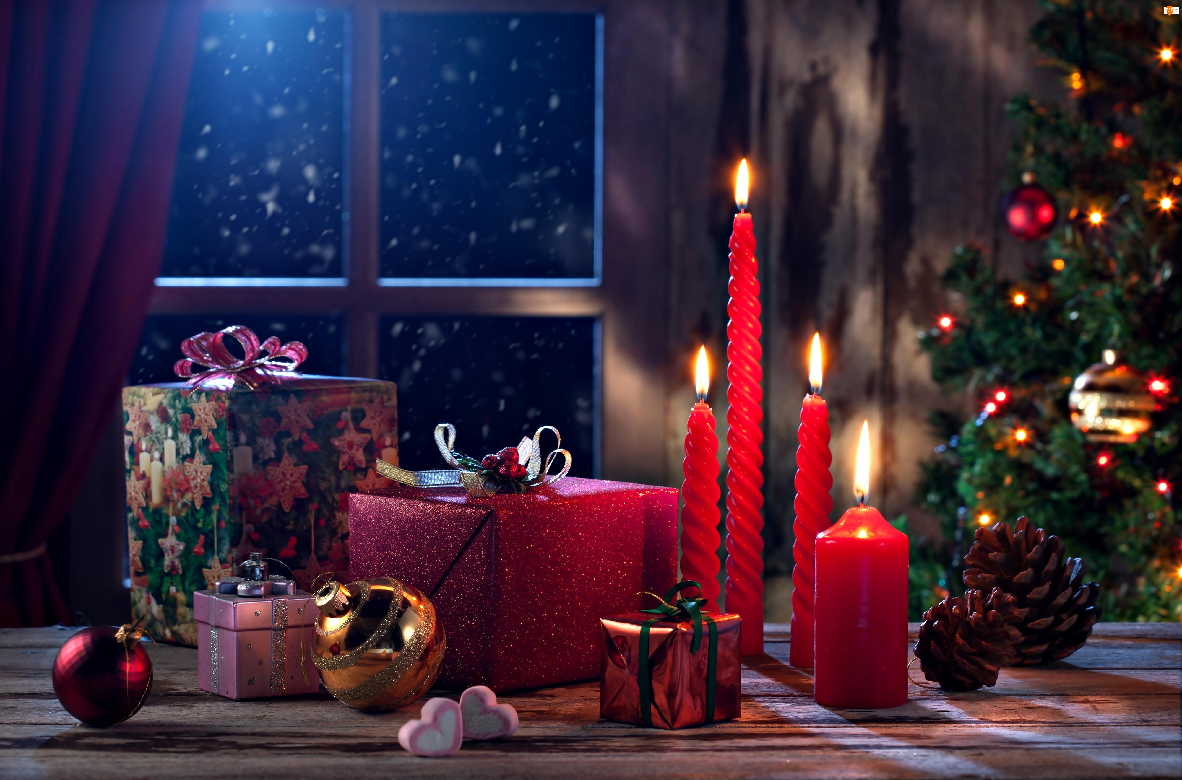 Prezenty, Choinka, Boże Narodzenie, Święta, Świece, Okno