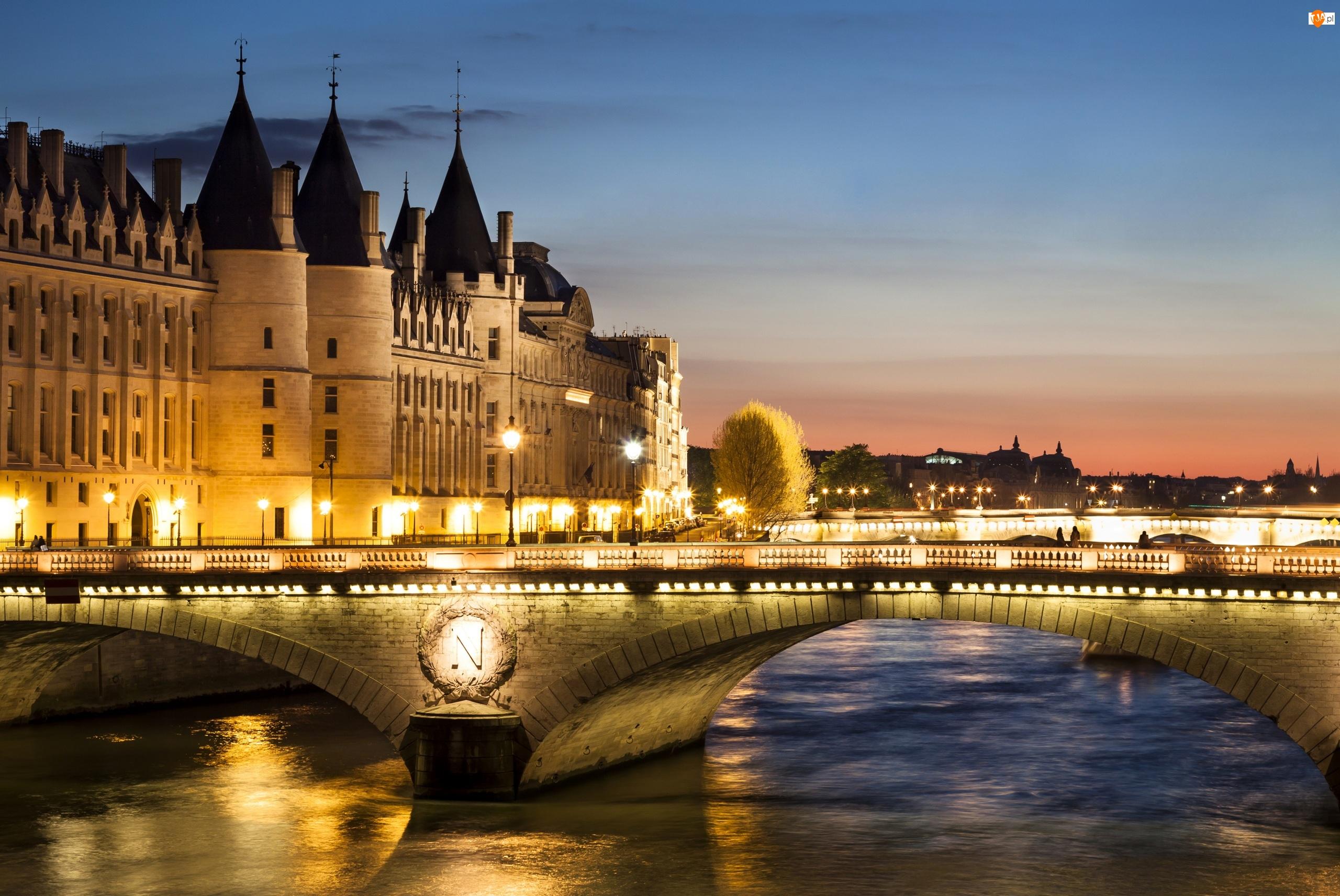 Muzeum Conciergerie, Most Wymiany, Paryż, Francja, Budynki, Rzeka Sekwana, Światła