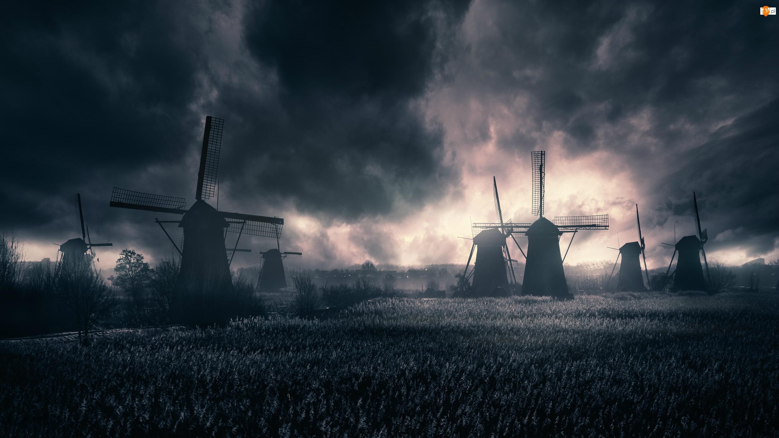Ciemne, Wiatraki, Holandia, Pole, Wieś Kinderdijk, Chmury