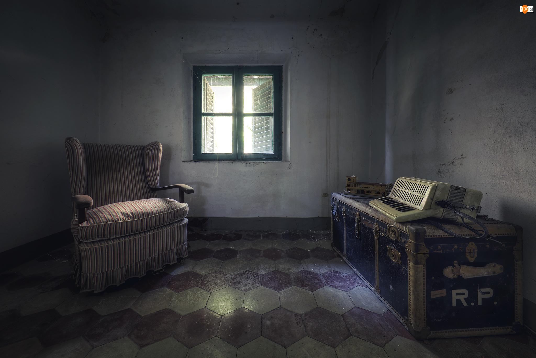 Okno, Pokój, Skrzynia, Fotel, Akordeon