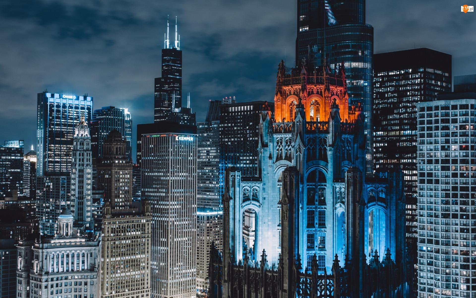 Chicago, Stany Zjednoczone, Zabytkowy budynek Tribune Tower, Chicago, Wieżowce
