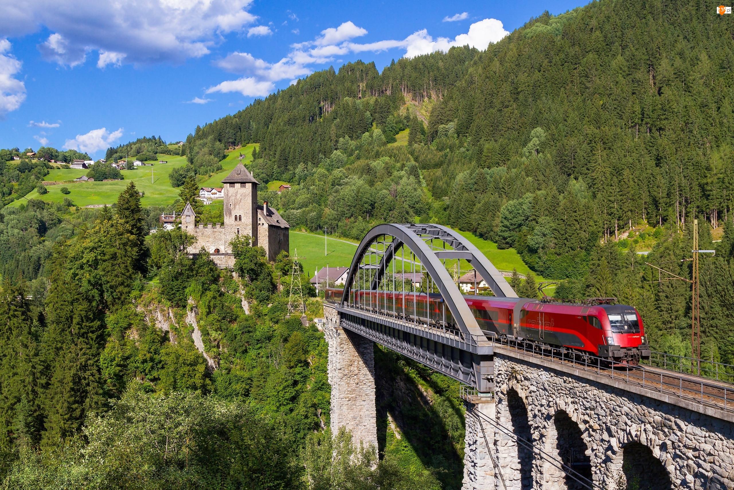 Zamek Wiesberg, Austria, Pociąg, Tyrol, Most Trisanna Bridge