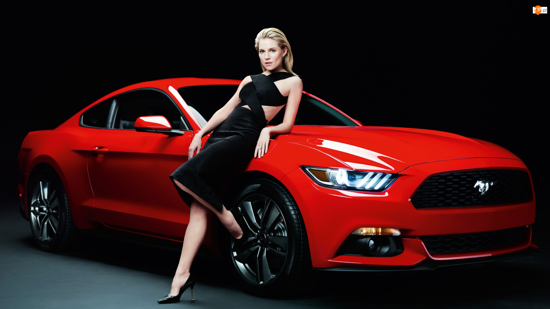 Czerwony, Ford Mustang, Aktorka, 2015, Sienna Miller, Samochód