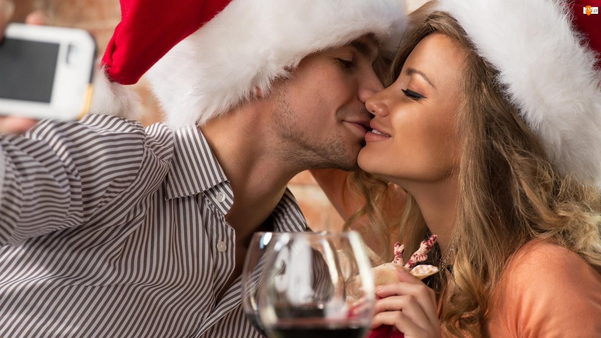 Czapki Mikołaja, Kobieta, Pocałunek, Mężczyzna, Miłość