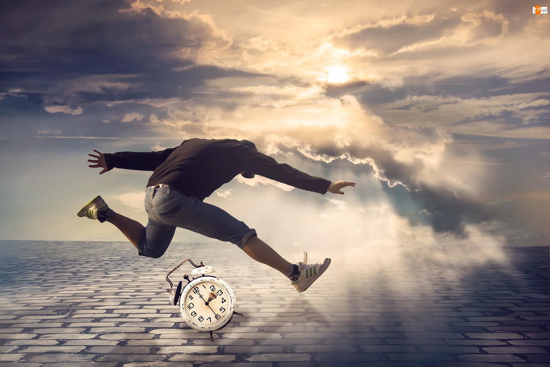 Czas, Chmury, Skok, Mężczyzna, Bruk, Przebijające światło, Budzik