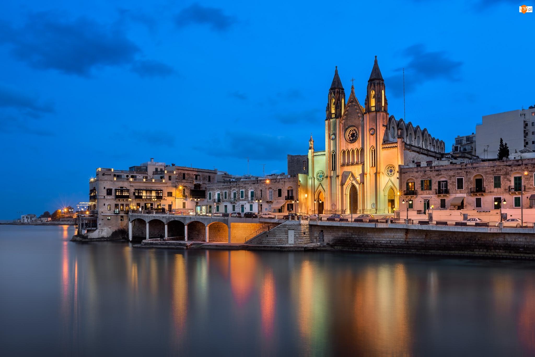 Kościół Karmelitów, Światła, Malta, Zatoka Balluta Bay, Saint Julians, Kościół parafialny pw. Najświętszej Marii Panny z Góry Karmel
