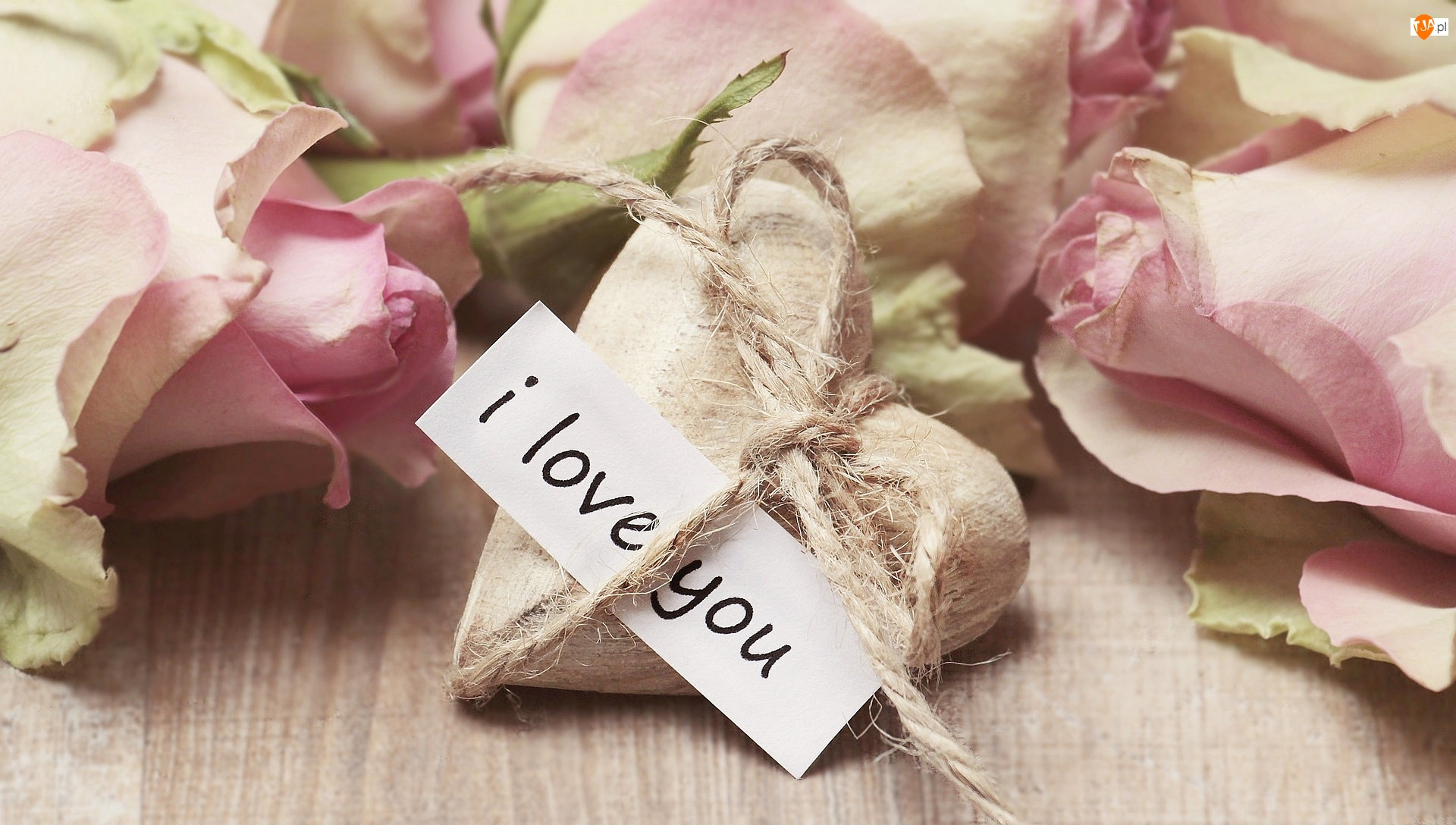 Wyznanie, Sznurek, Róże, Kwiaty, Miłość, Serduszko, Napis