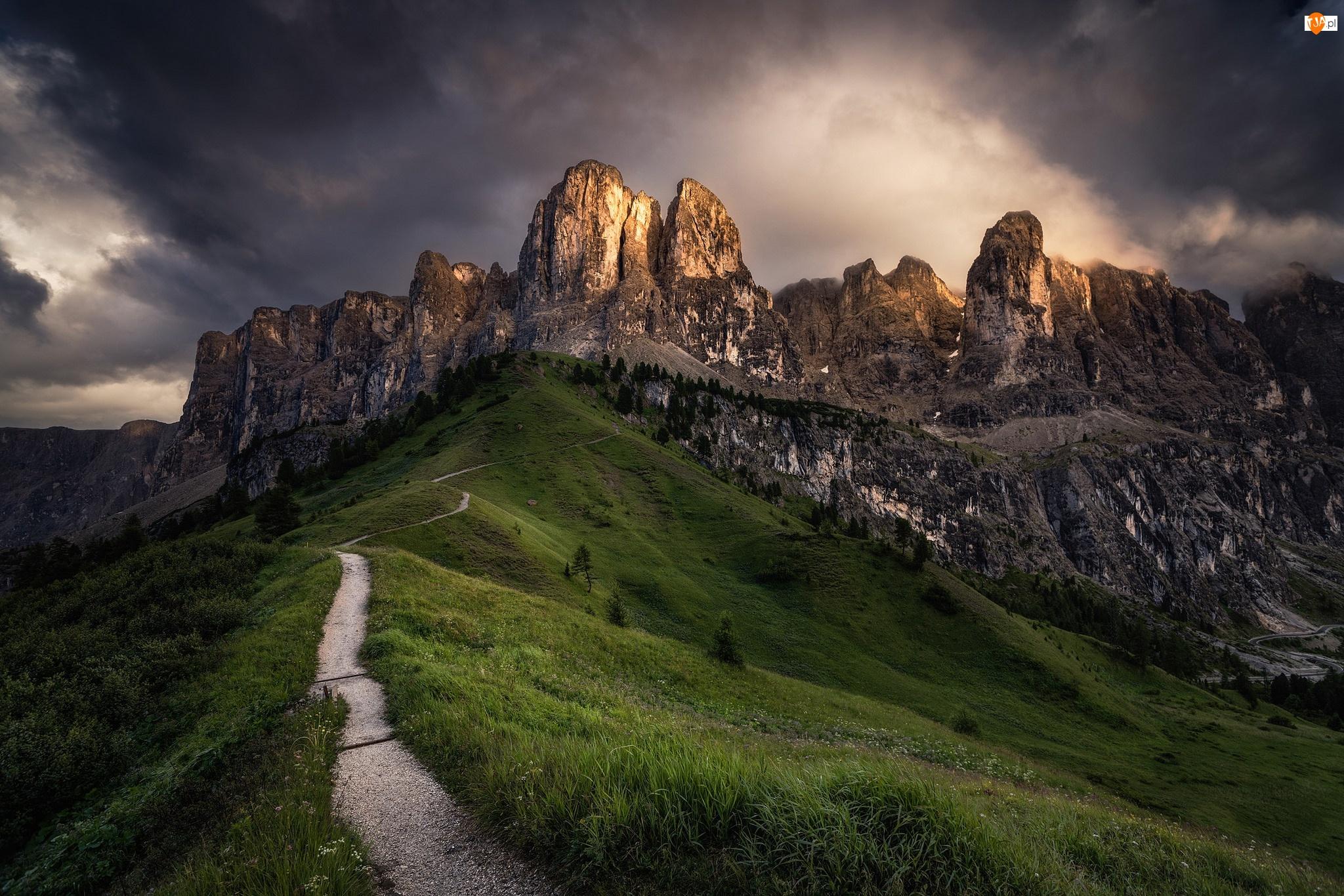 Góry Sella, Dolomity, Południowy Tyrol, Włochy, Ścieżka, Alpy, Przełęcz Gardena Pass
