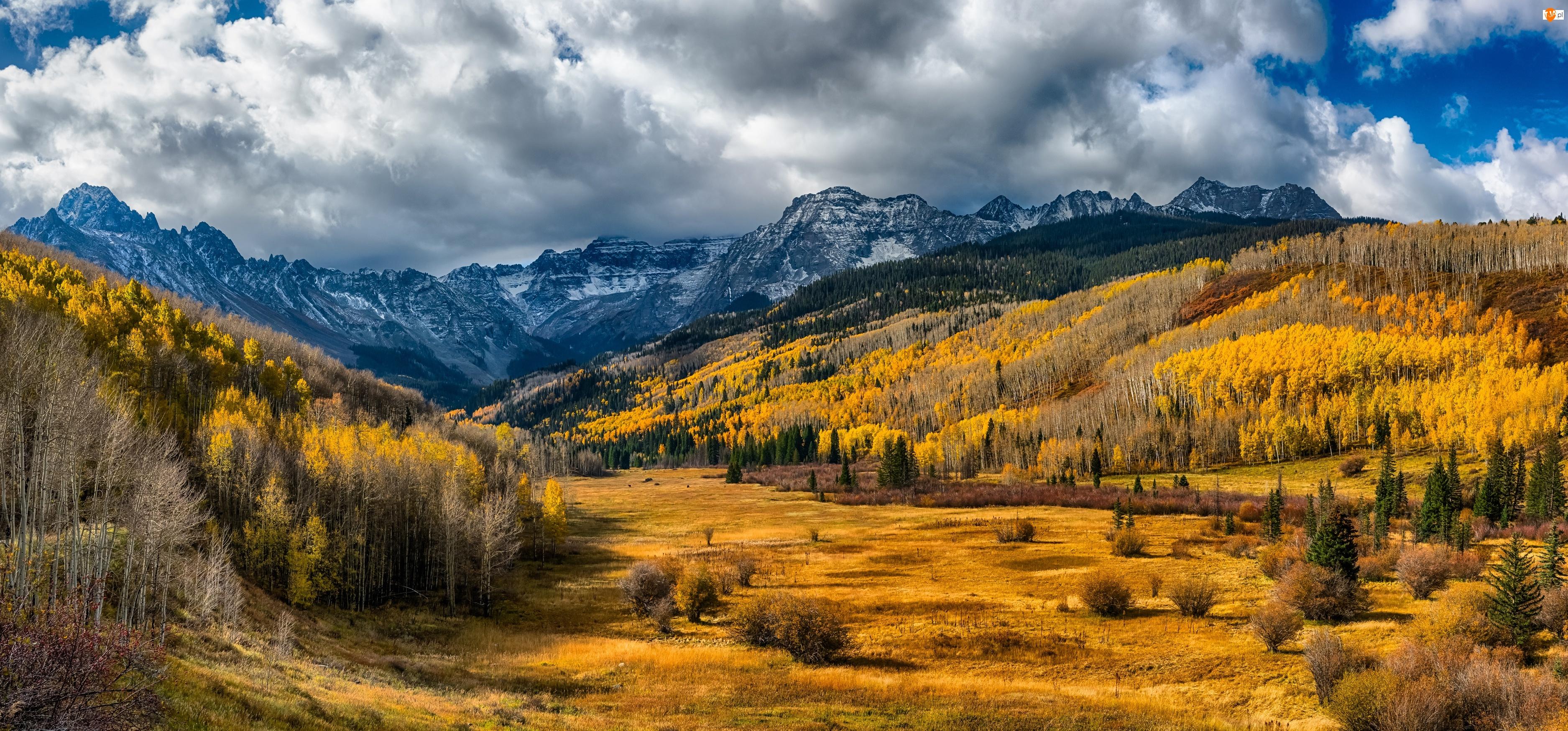 Wzgórza, Drzewa, Jesień, Chmury, Góry, Las