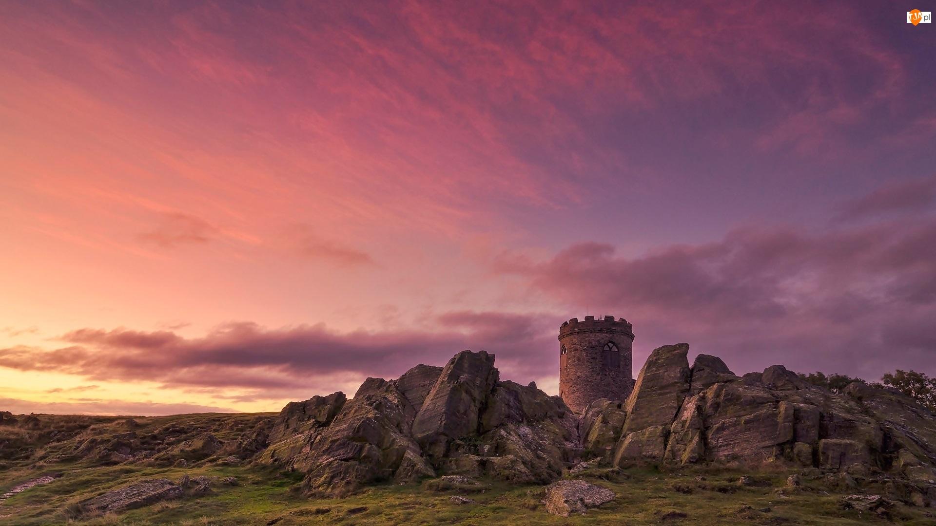 Zachód słońca, Anglia, Park publiczny Bradgate Park, Hrabstwo Leicestershire, Wieża Old John Tower