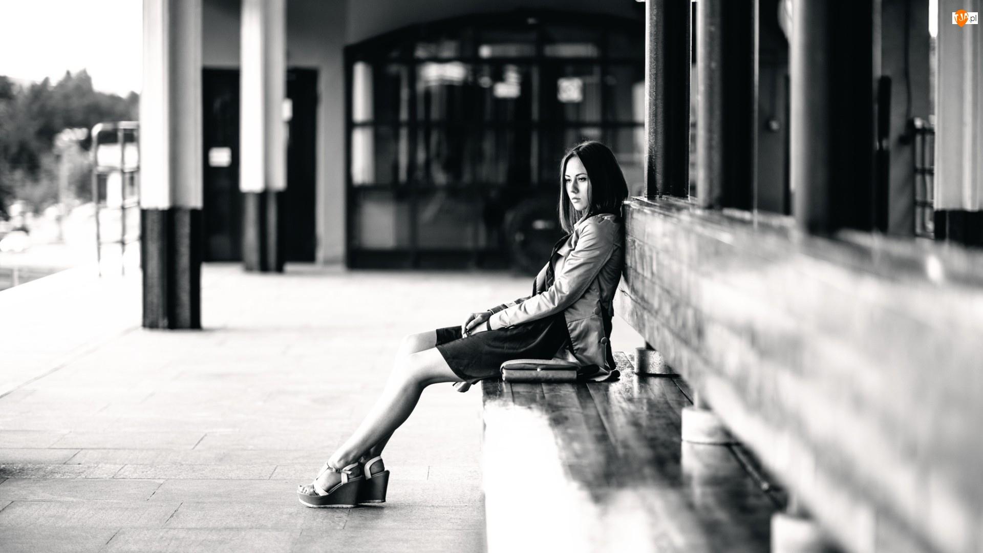 Dziewczyna, Czarno-Białe