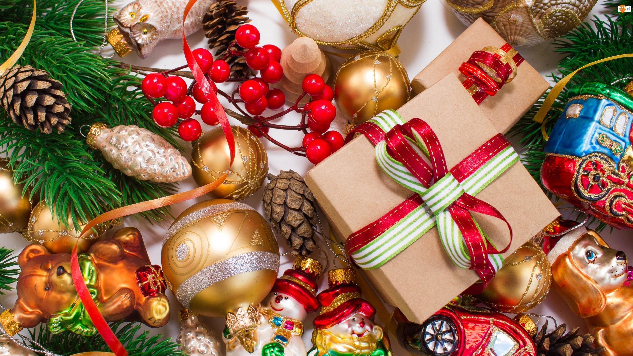 Prezenty, Bombki, Świąteczna, Kompozycja, Boże Narodzenie, Kolorowe, Szyszki