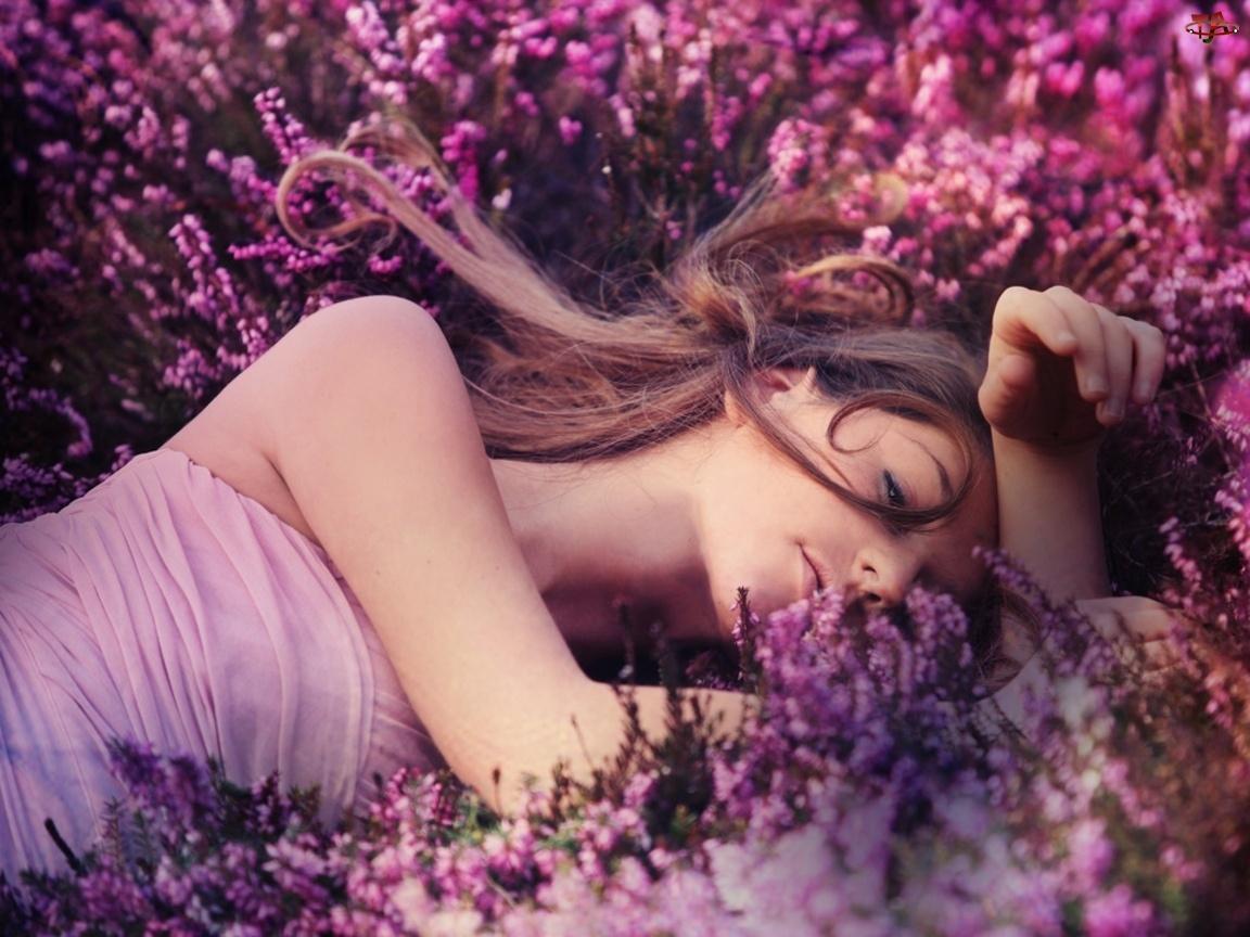 Kwiaty, Kobieta