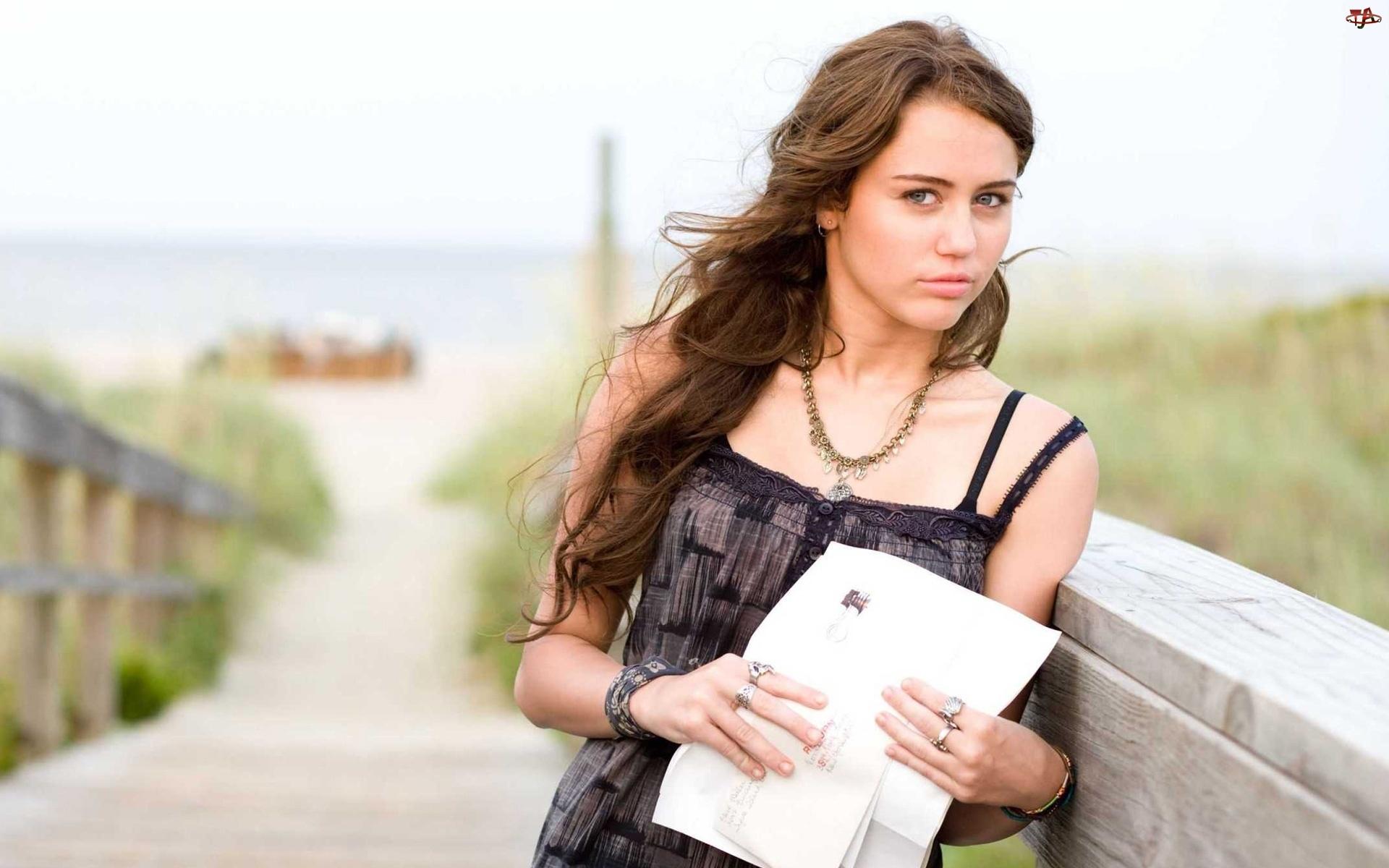 Piosenkarka, Miley Cyrus