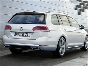 Volkswagen Golf 7 Variant Rear Three Quarter