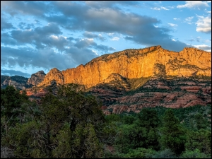 Kanion Oak Creek w Parku Stanowym Slide Rock w Arizonie