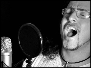Thomas Grotto, Mikrofon