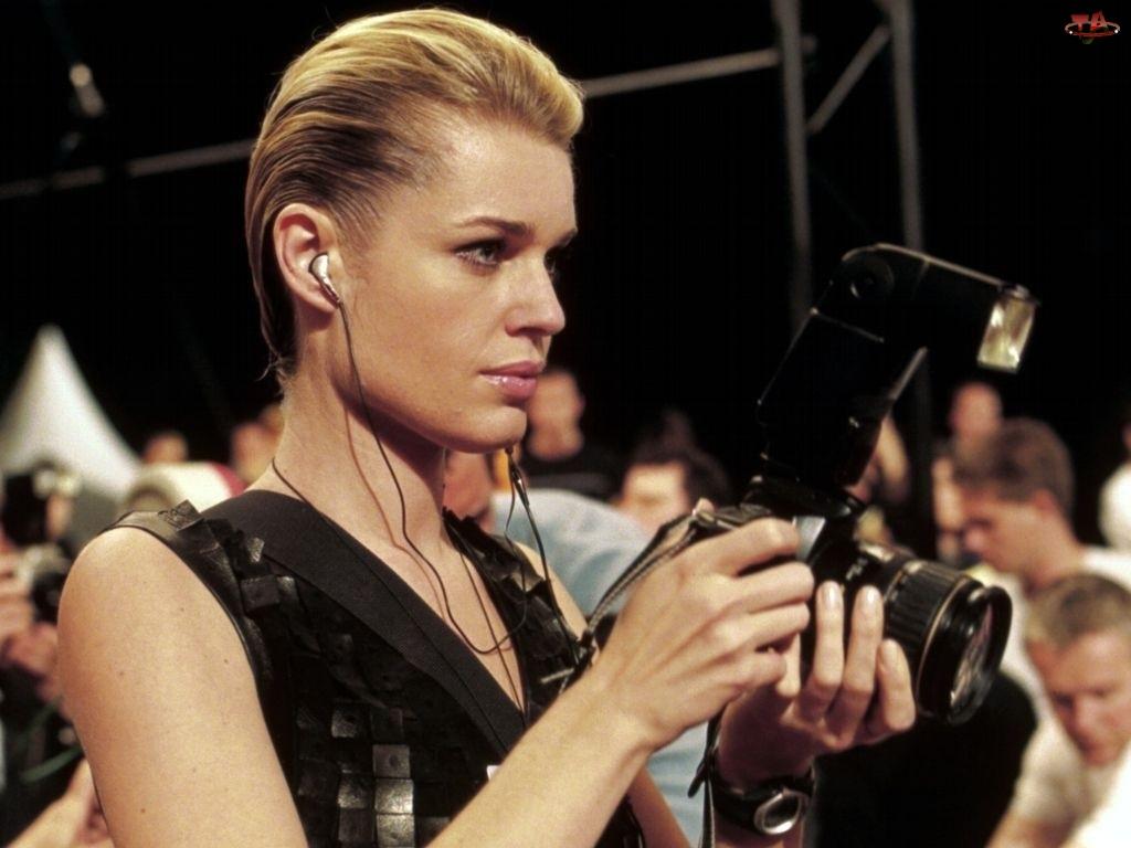 Rebecca Romijn, Aparat Fotograficzny