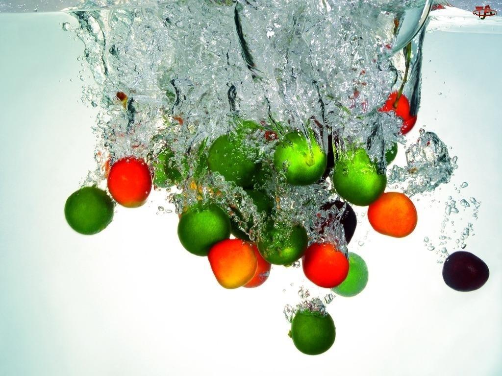 Owoce, Woda