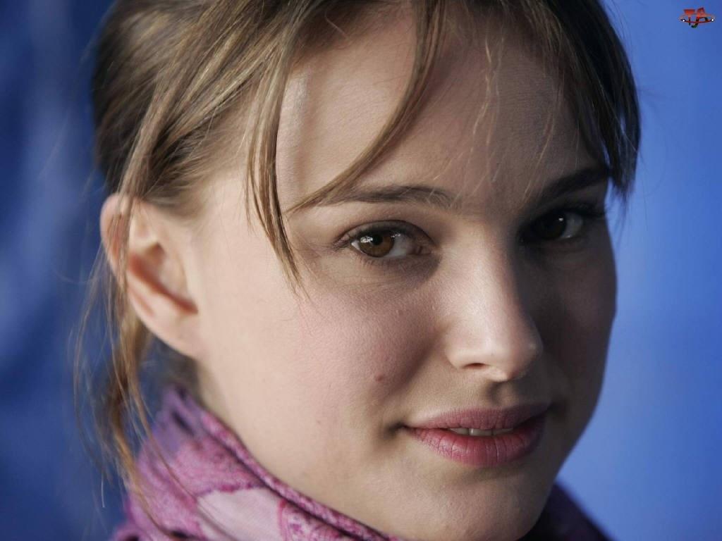 Natalie Portman, Buzia