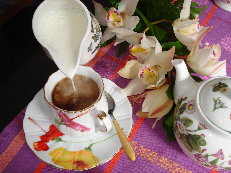 Serwis, Orchidee, Kawa, Mleczko