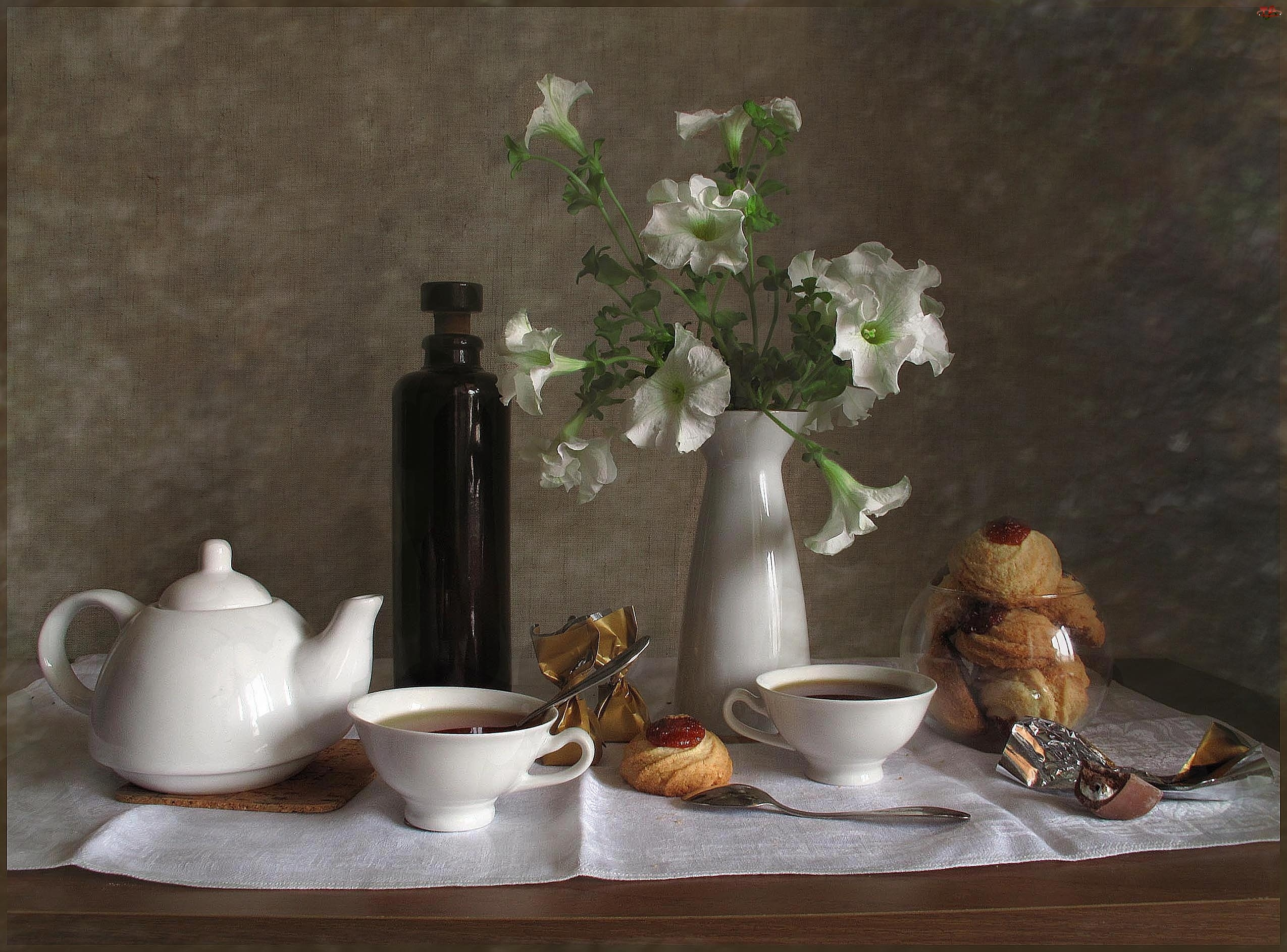 Białe, Herbatka, Kwiaty, Ciasteczka