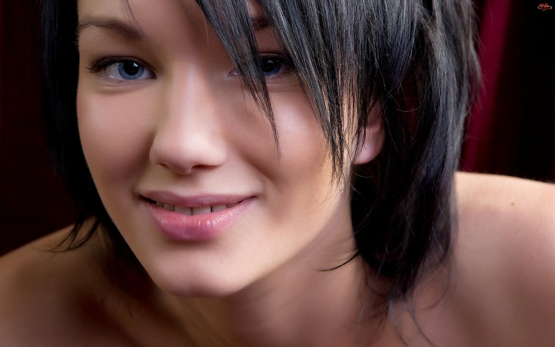 Makijaż, Uśmiechnięta, Dziewczyna