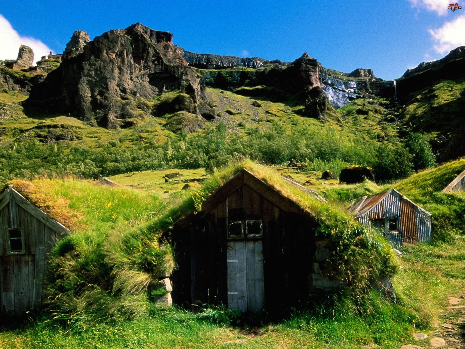 Domek, Islandia, Góry