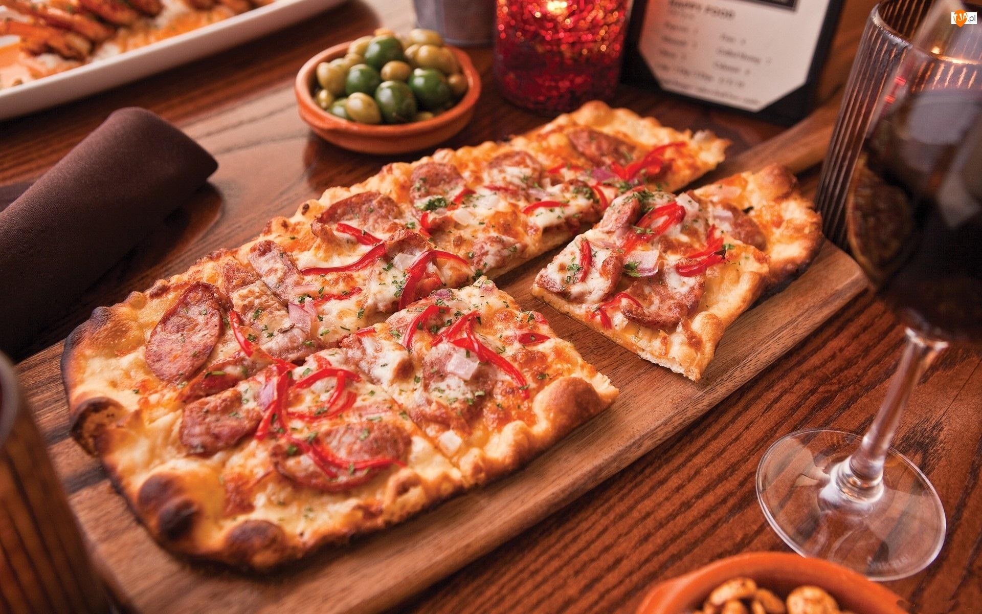 Kwadratowa, Wina, Pizza, Lampka