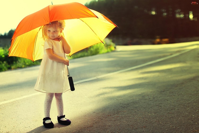 Droga, Dziewczynka, Parasol