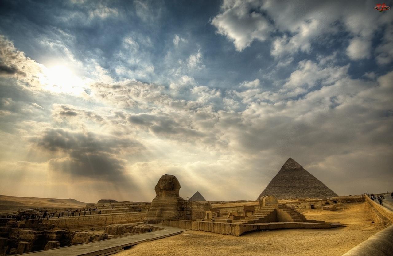 Chmury, Pustynia, Posąg, Piramidy, Sfinksa