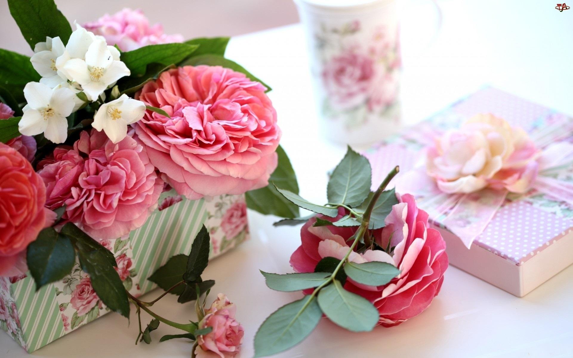 Pudełka, Róże