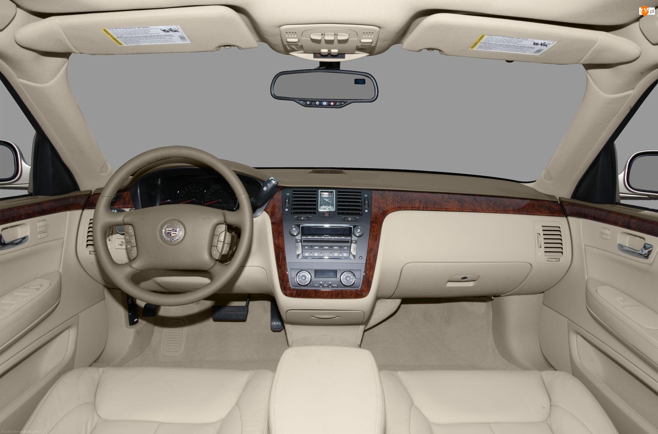 Cadillac DTS, Wnętrze