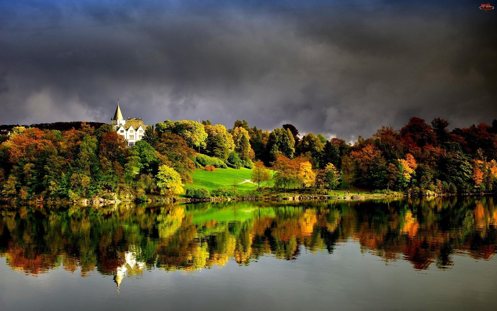 Wśród, Białą, Widok, Jesień, Drzew, Na, Budowlę