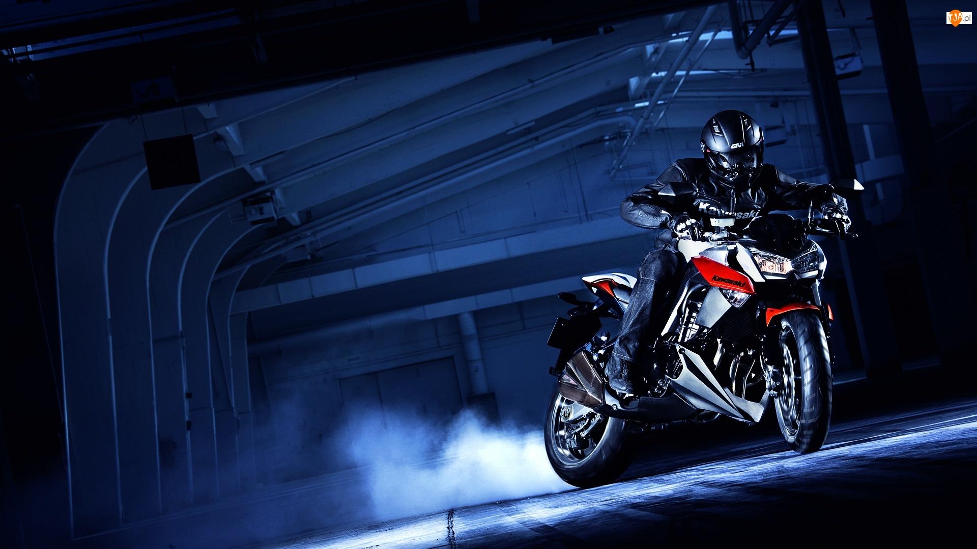 Kawasaki, Tunel, Motocyklista