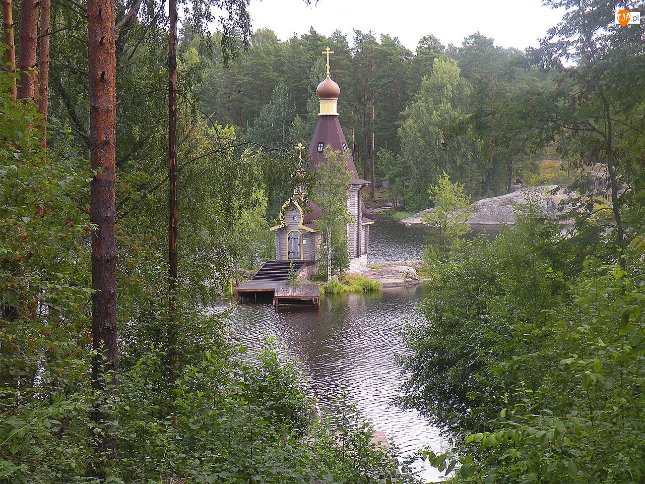 Drzewa, Cerkiew, Jezioro